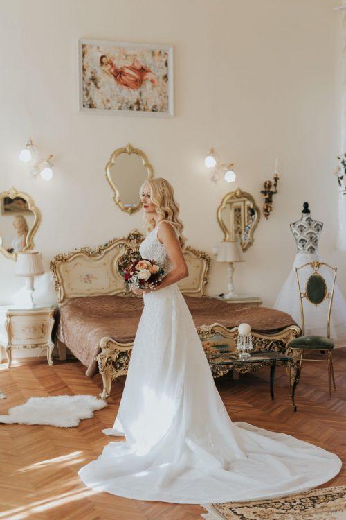 Poročni salon Bela Grofica - Poročna obleka nevesta